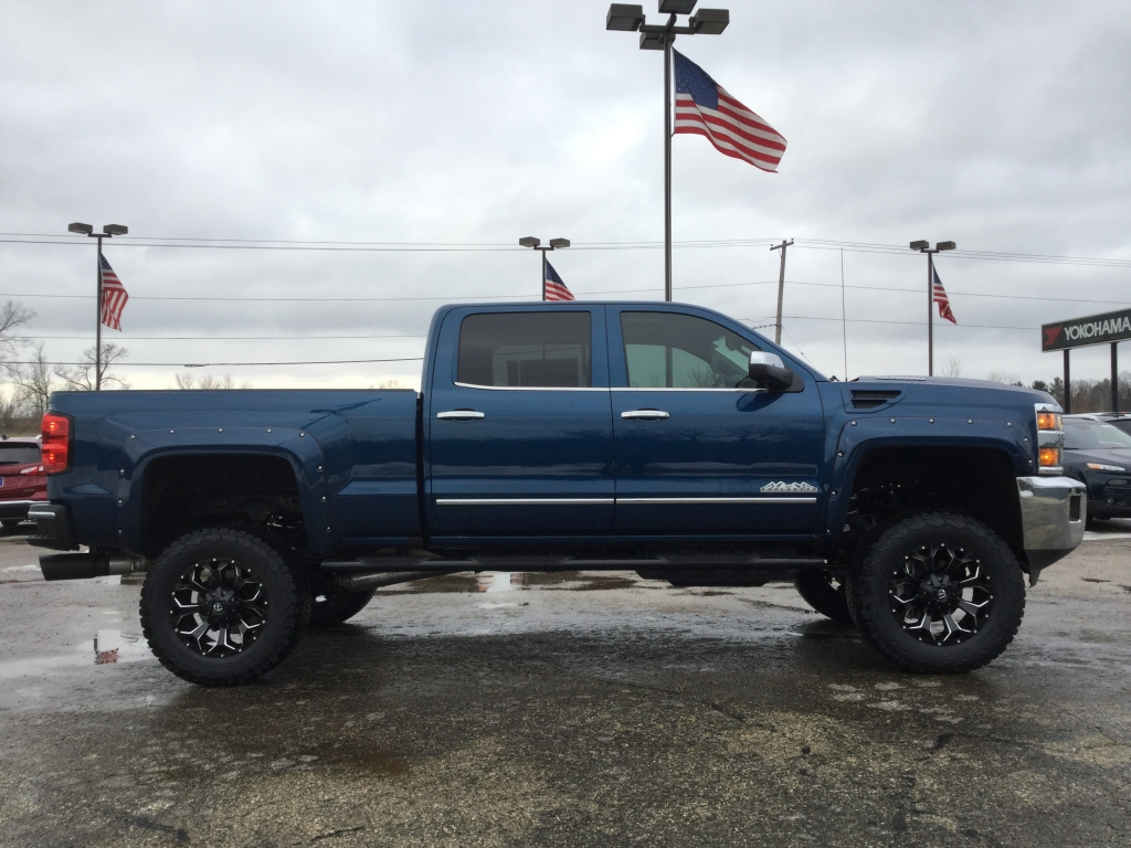 2018 Silverado 2500 Crew Cab 4x4, Pickup #18C591 - photo 3