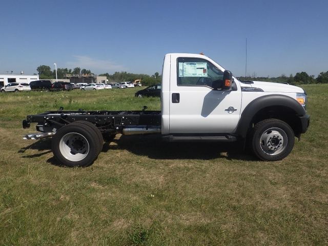 2016 F-550 Regular Cab DRW 4x4, Cab Chassis #HR16436 - photo 3