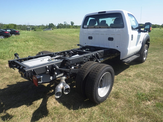 2016 F-550 Regular Cab DRW 4x4, Cab Chassis #HR16436 - photo 2