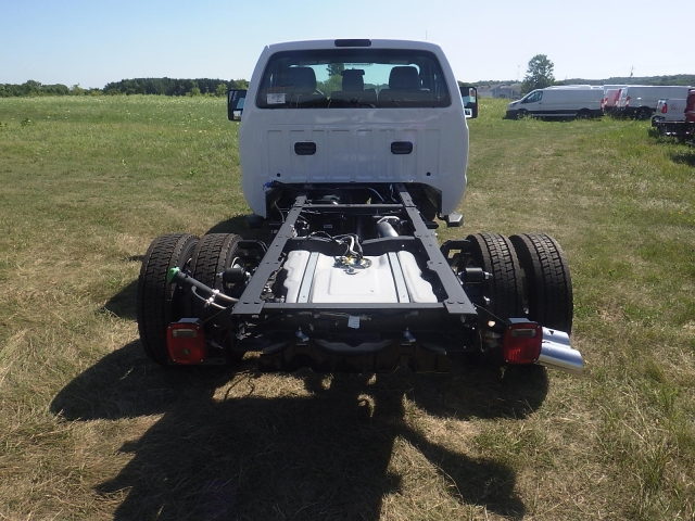 2016 F-550 Regular Cab DRW 4x4, Cab Chassis #HR16436 - photo 4