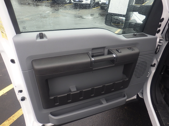 2016 F-450 Regular Cab DRW, Monroe Platform Body #HR16628 - photo 26
