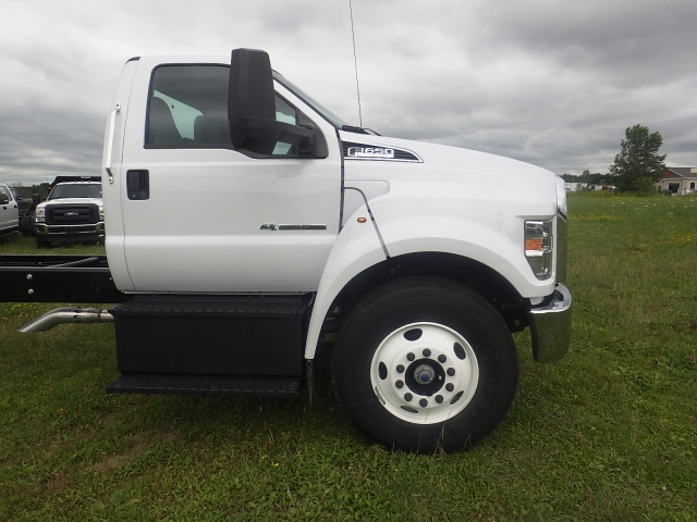 2017 F-650 Regular Cab, Cab Chassis #HS18080 - photo 3