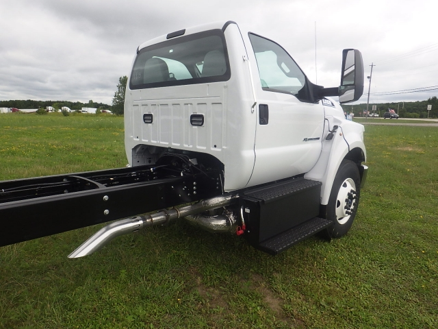 2017 F-650 Regular Cab, Cab Chassis #HS18080 - photo 5