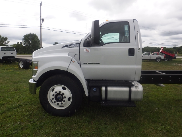 2017 F-650 Regular Cab, Cab Chassis #HS18080 - photo 9