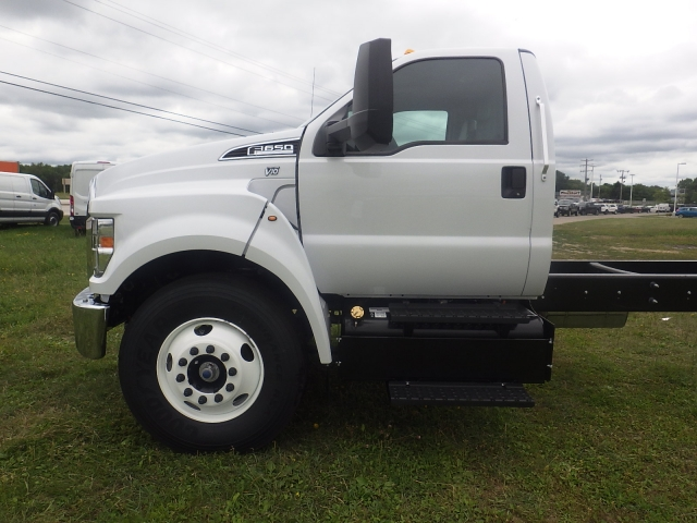 2017 F-650 Regular Cab DRW, Cab Chassis #HS18081 - photo 10