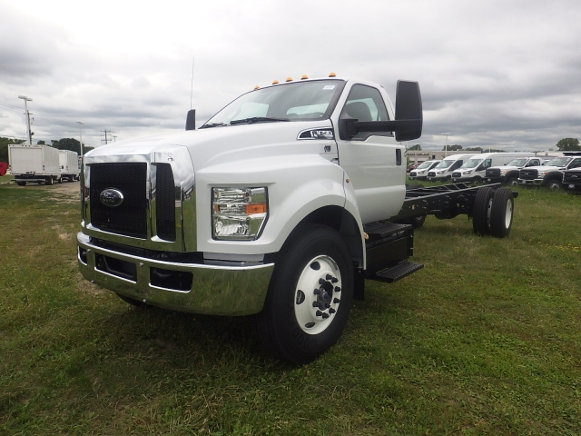 2017 F-650 Regular Cab DRW, Cab Chassis #HS18081 - photo 12