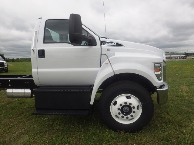 2017 F-650 Regular Cab DRW, Cab Chassis #HS18081 - photo 3