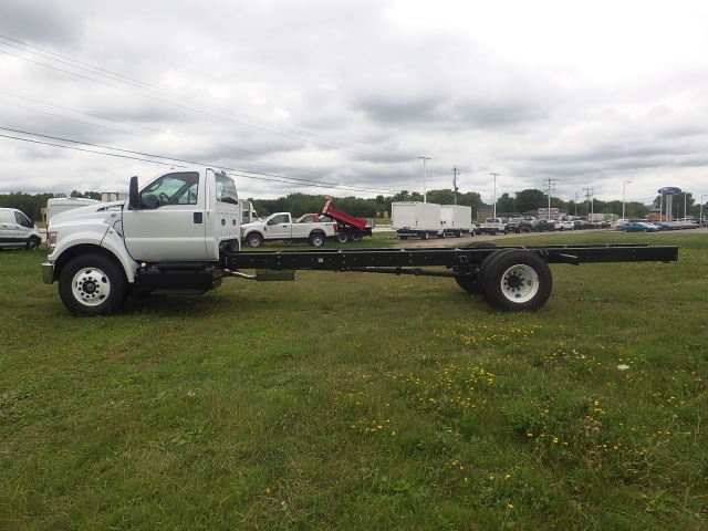2017 F-650 Regular Cab DRW, Cab Chassis #HS18081 - photo 8