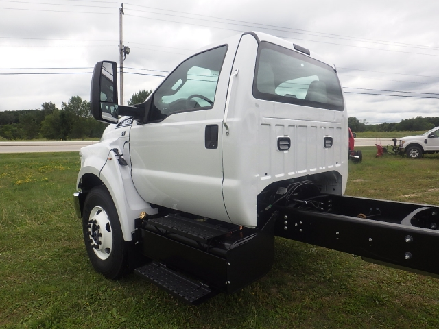 2017 F-650 Regular Cab DRW, Cab Chassis #HS18081 - photo 9