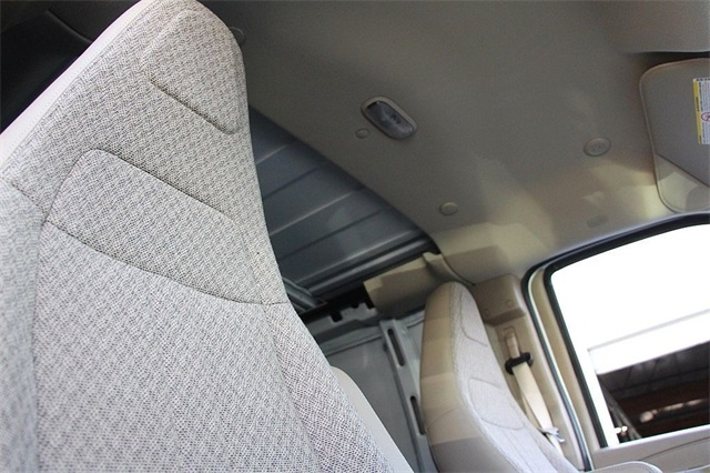2018 Savana 2500 4x2,  Empty Cargo Van #181271 - photo 15