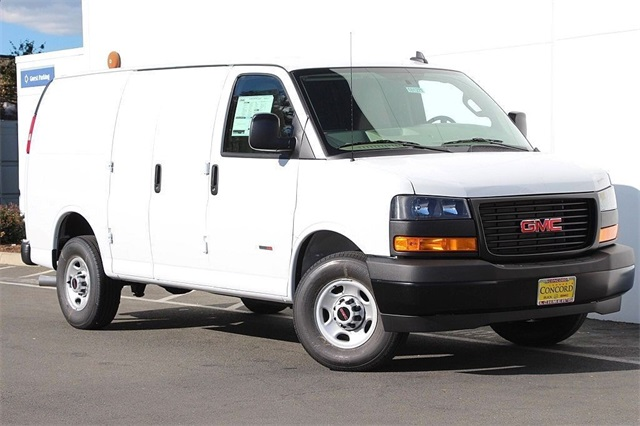 2018 Savana 2500 4x2,  Empty Cargo Van #181271 - photo 3