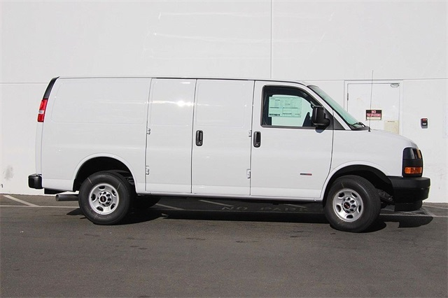 2018 Savana 2500 4x2,  Empty Cargo Van #181271 - photo 6