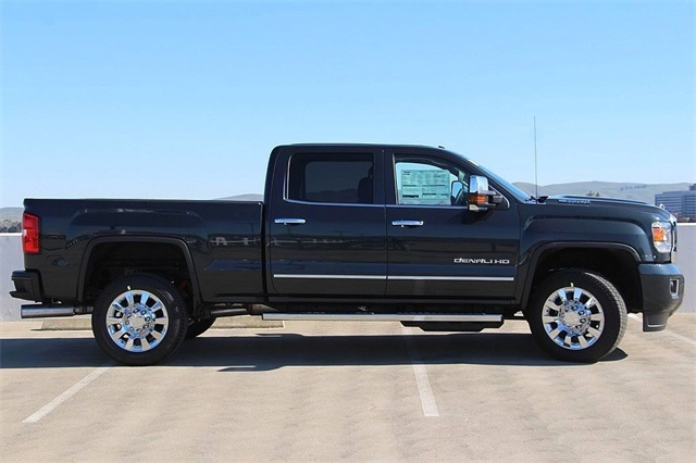 2018 Sierra 2500 Crew Cab 4x4,  Pickup #181502 - photo 5