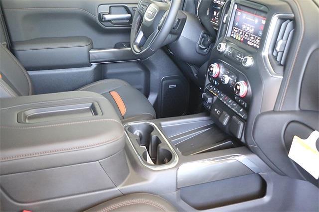 2021 GMC Sierra 1500 Crew Cab 4x4, Pickup #211384 - photo 13