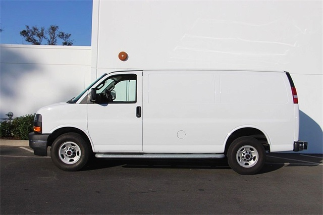 2017 Savana 2500,  Empty Cargo Van #6158 - photo 9