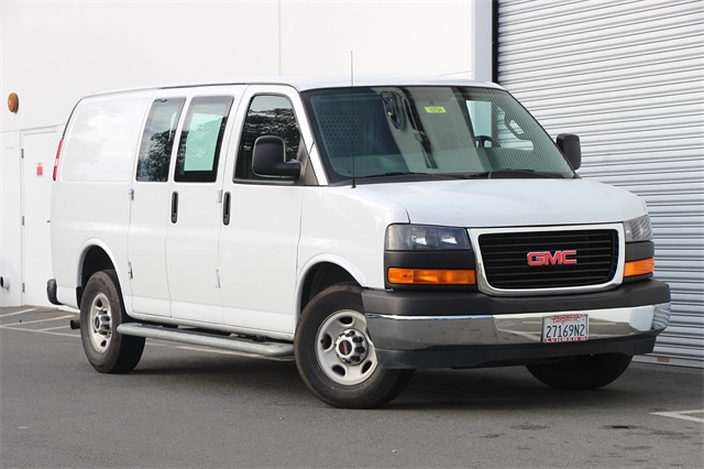 2017 GMC Savana 2500, Empty Cargo Van #6754 - photo 1