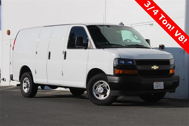 2018 Chevrolet Express 2500 4x2, Empty Cargo Van #6773 - photo 1