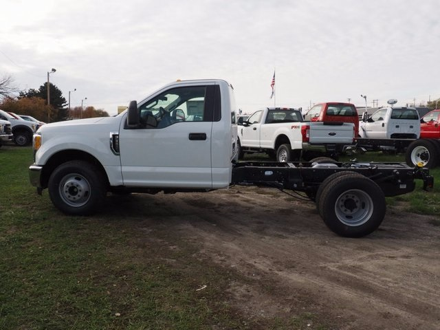 2017 F-350 Regular Cab DRW, Cab Chassis #17F1012 - photo 19
