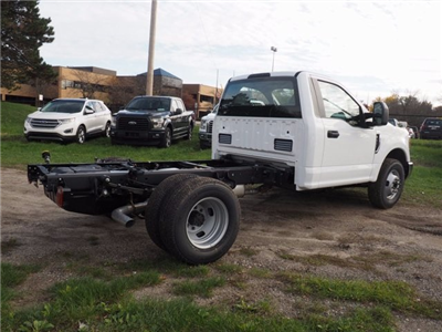 2017 F-350 Regular Cab DRW, Cab Chassis #17F1012 - photo 17