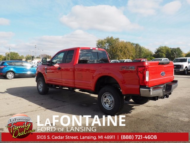 2017 F-350 Super Cab 4x4 Pickup #17F1026 - photo 2