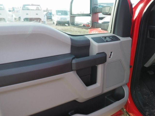 2017 F-550 Regular Cab DRW, Cab Chassis #17F123 - photo 18