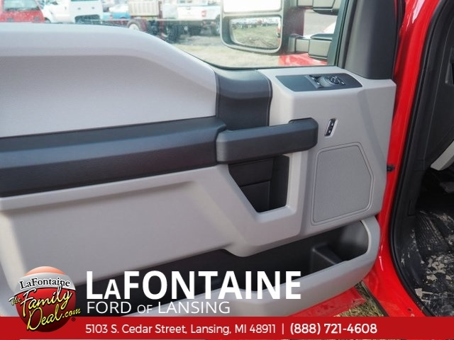 2017 F-550 Regular Cab DRW, Cab Chassis #17F170 - photo 2