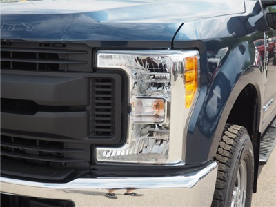 2017 F-350 Crew Cab 4x4, Pickup #17F908 - photo 9
