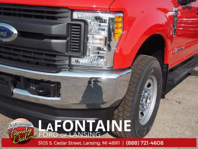 2017 F-350 Crew Cab 4x4, Pickup #17F922 - photo 9