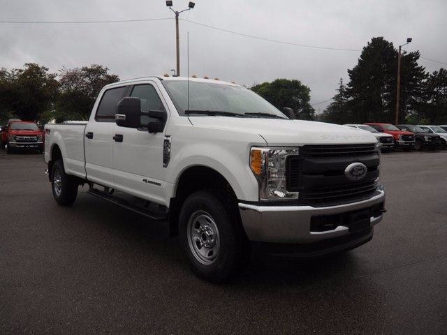 2017 F-350 Crew Cab 4x4, Pickup #17F976 - photo 3