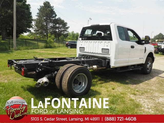 2018 F-350 Super Cab DRW 4x4,  Cab Chassis #18F465 - photo 2