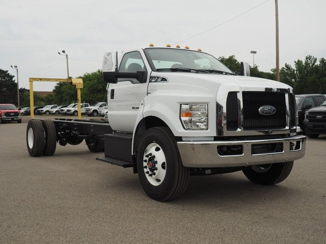 2019 F-750 Regular Cab DRW 4x2,  Cab Chassis #19F04 - photo 3