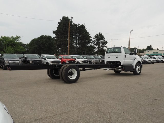 2019 F-750 Regular Cab DRW 4x2,  Cab Chassis #19F04 - photo 5