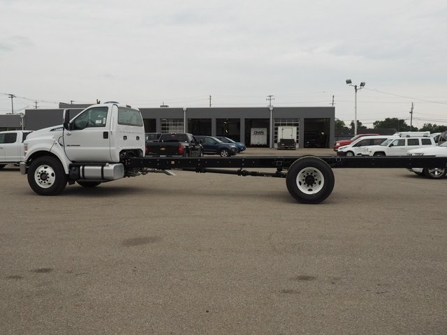2019 F-750 Regular Cab DRW 4x2,  Cab Chassis #19F04 - photo 7
