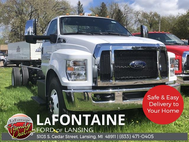 2021 Ford F-750 Regular Cab DRW 4x2, Cab Chassis #21FC43 - photo 1