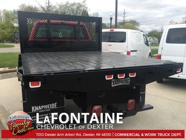 2017 Silverado 3500 Regular Cab 4x4, Platform Body #17C1387 - photo 2