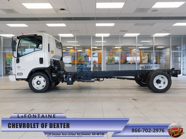 2017 Low Cab Forward Regular Cab, Cab Chassis #17C859 - photo 7