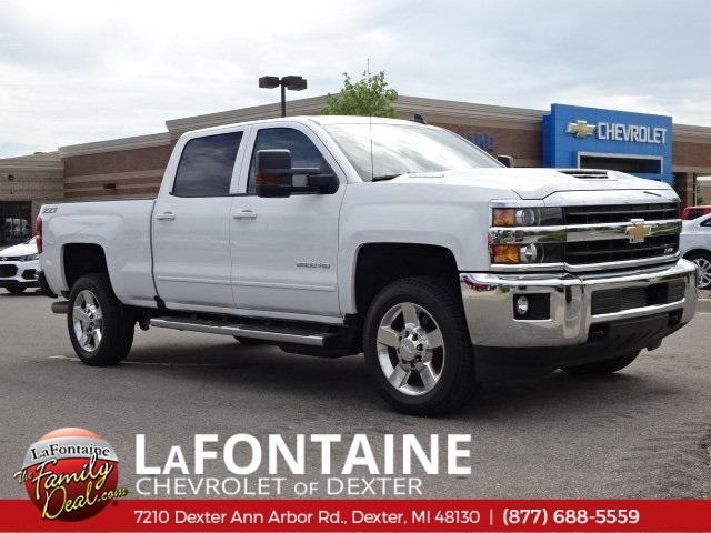 2018 Silverado 2500 Crew Cab 4x4,  Pickup #18C1627 - photo 15