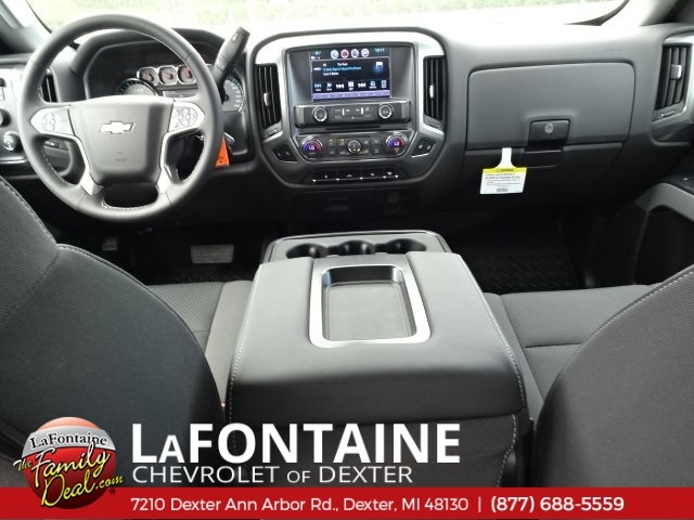 2018 Silverado 2500 Crew Cab 4x4,  Pickup #18C1627 - photo 16