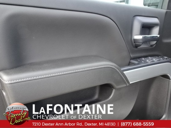 2018 Silverado 2500 Crew Cab 4x4,  Pickup #18C1627 - photo 19