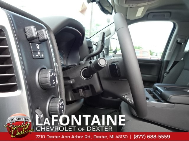 2018 Silverado 2500 Crew Cab 4x4,  Pickup #18C1627 - photo 21