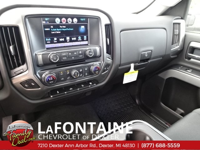 2018 Silverado 2500 Crew Cab 4x4,  Pickup #18C1627 - photo 28
