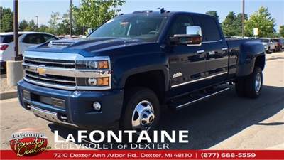 2018 Silverado 3500 Crew Cab 4x4,  Pickup #18C1933 - photo 3