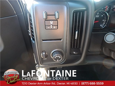 2018 Silverado 2500 Double Cab 4x4,  Pickup #18C533 - photo 14