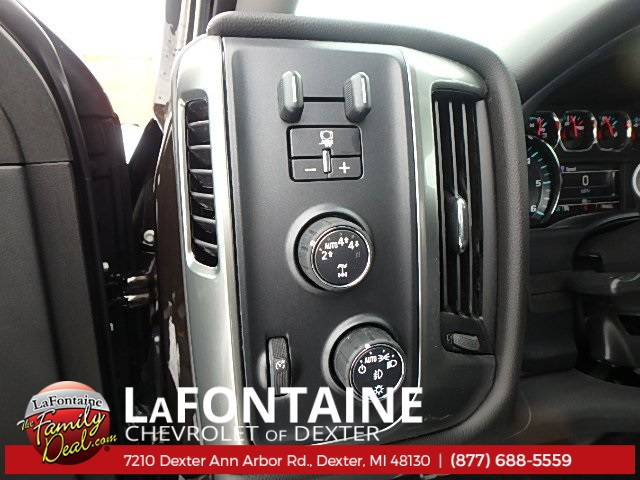 2018 Silverado 1500 Double Cab 4x4, Pickup #18C565 - photo 10