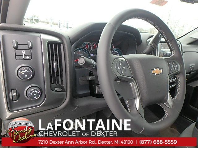 2018 Silverado 1500 Double Cab 4x4, Pickup #18C565 - photo 9