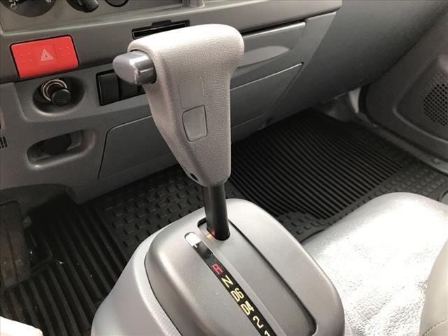 2019 LCF 4500 Regular Cab 4x2, Morgan Prostake Stake Bed #19C2514 - photo 16