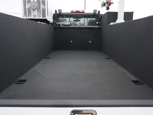 2020 Chevrolet Silverado 6500 Regular Cab DRW 4x4, Auto Crane Titan Mechanics Body #20C917 - photo 6