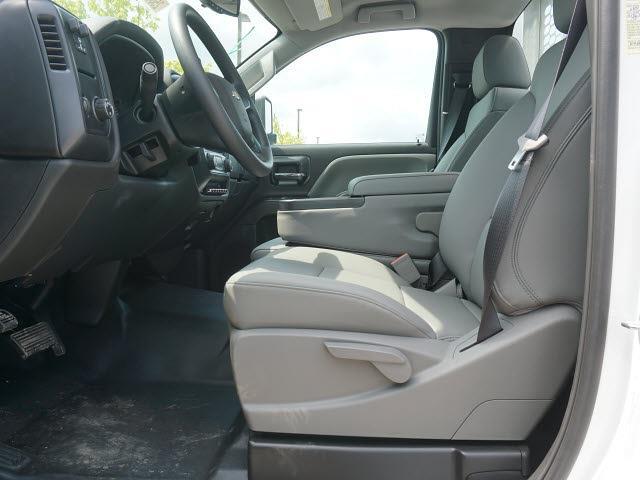 2020 Silverado 5500 Regular Cab DRW 4x2,  Knapheide Aluminum Platform Body #20CC2564 - photo 10