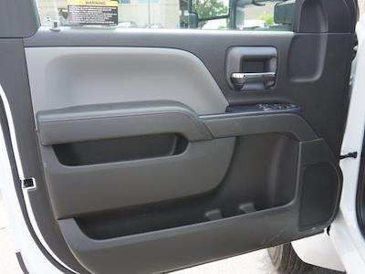 2020 Silverado 5500 Regular Cab DRW 4x2,  Knapheide Aluminum Platform Body #20CC2564 - photo 9