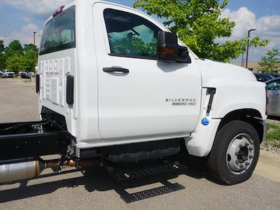 2020 Silverado 6500 Regular Cab DRW 4x2,  Cab Chassis #20CC2567 - photo 8